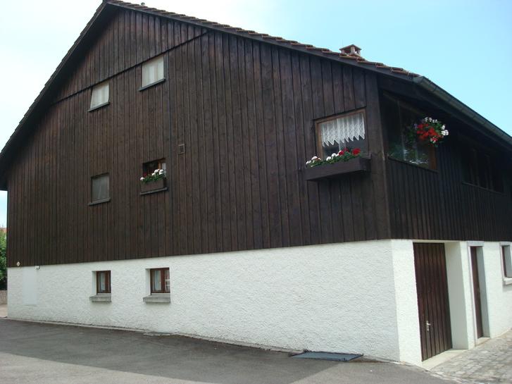 Schöne, heimelige 3 Zimmer Wohnung (Hausteil) 2