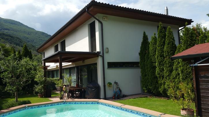 Casa 5,5 locali con piscina da privato a Camignolo 6803 Camignolo
