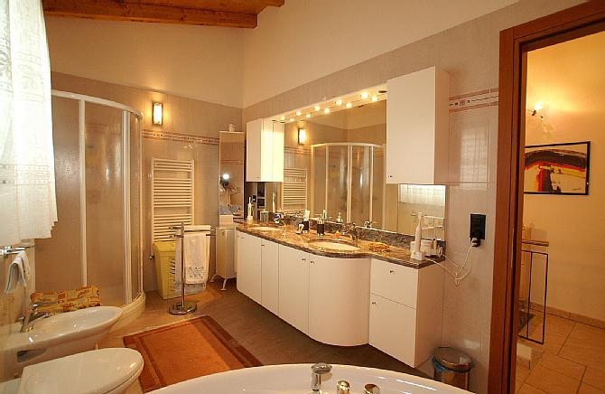 Casa 5,5 locali con piscina da privato a Camignolo 4
