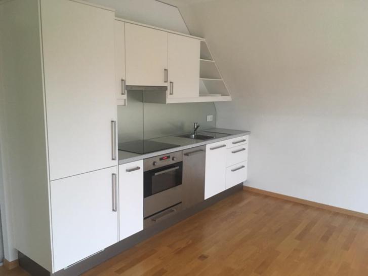 2.5 Zimmer-Dachwohnung mit Garage 3