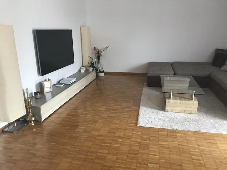 Grosszügige und helle 4,5 Zimmer Wohnung in Hittnau 8335 Hittnau