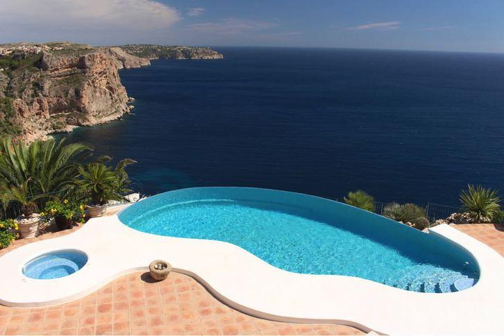 Top Villa an vorderster Front, Infinity Pool vom Feinsten 03724 Moraira - Costa Blanca - Spanien