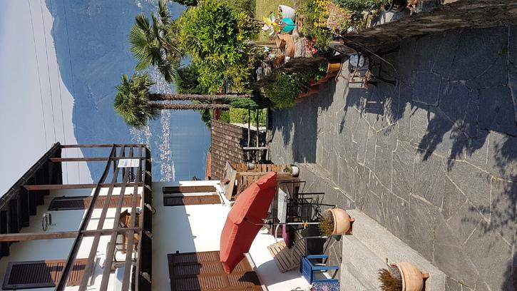 Spezielles Tessinerhaus, Seesicht, grosser Garten, Grotto 2