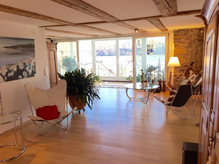 1,5 Zimmer-Wohnung (ev. Büro- oder Praxisräumlichkeit) mit Wintergarten und Blick in die Natur, teilmöbliert 3