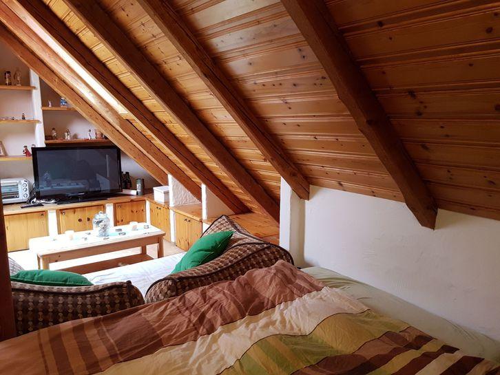 Nachmieter gesucht: günstige 1.5 Zimmer Altbau-Dachwohnung 4