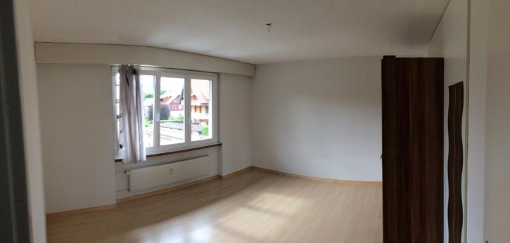 1 Grosser Zimmer in 4.5 Zimmerwohnung in Seftigen bei Thun  3662 Seftigen