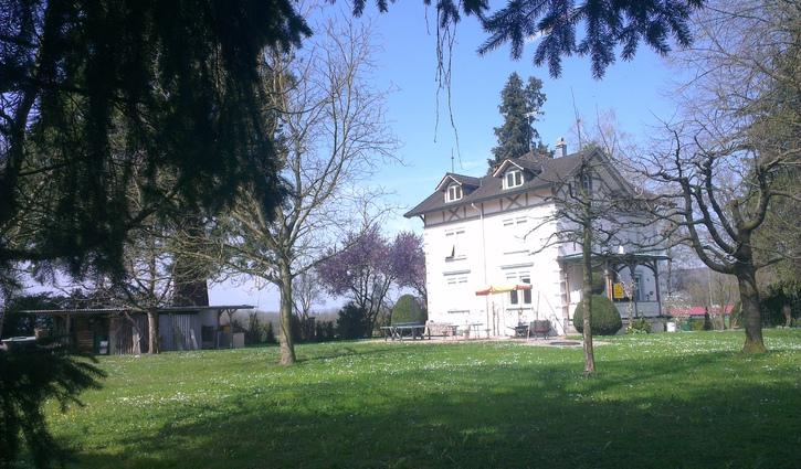 Wohnen wie im Schloss in grosser Jugendstil-Villa mit sehr gepflegter Parkanlage. 9565 Rothenhausen