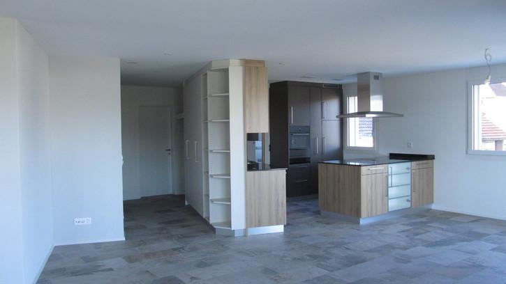 Zu Verkaufen 4.5 Zimmerwohnung 3