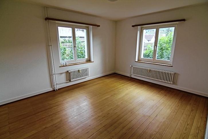 4,5 Zimmer - Wohnung, mit Balkon 2