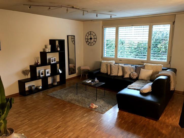 4.5 Zimmer Wohnung Parterre, 1500 CHF  2