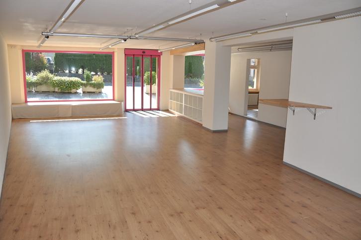 Helles, modernes Ladenlokal zu vermieten (100m2) 8863 Buttikon