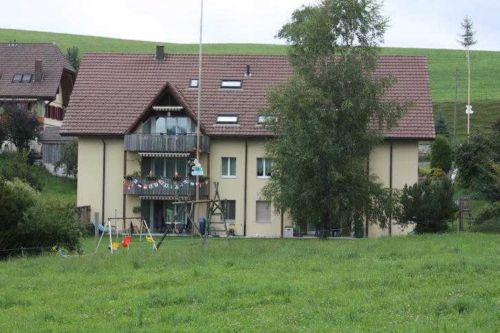 4.5 Zimmerm Wohnung mit grossem Balkon  4944 Auswil