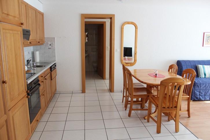 Residenz LES NATURELLES: 3.5-Zimmerwohnung von hoher Qualität schöner Terrassenplatz im Grünen 3