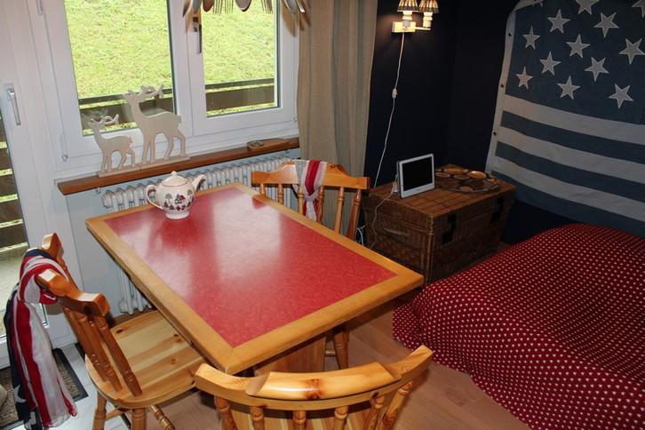 Haus Belair: Studiowohnung direkt neben der Skipiste Erli und Gemmibahn 2