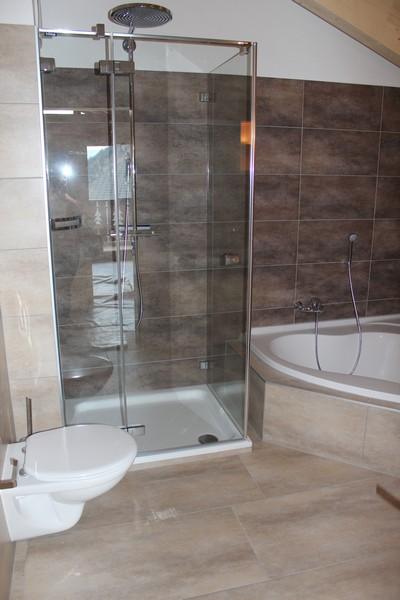 Athos, 3.5 Zimmer Attika-Luxuswohnung mit sonnigem Balkon und schöner Aussicht 3
