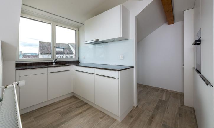 Neue hochwertige Dachwohnung, Aarau 2