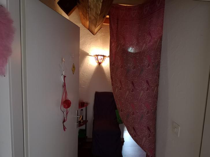 Nachmieter für 2.5 Zimmer Dachwohnung 2