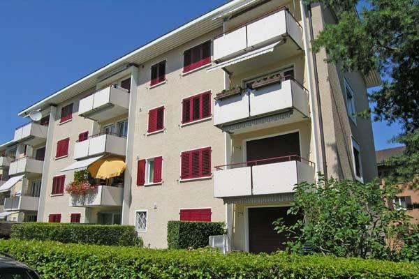 4 Zimmer Wohnung im EG mit Gartensitzplatz. 8152 Glattbrugg