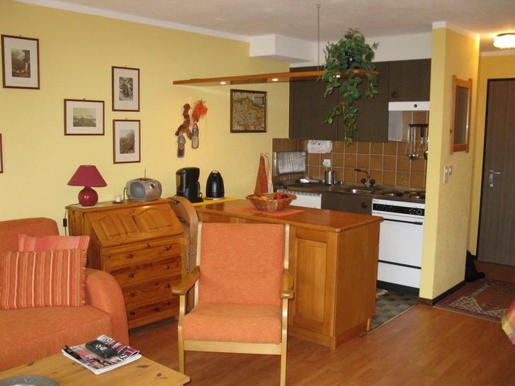 1.5-Zimmerwohnung mit Balkon im Haus Floralp 2