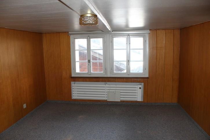 IM HOF, 3.5-Zimmer-Dachwohnung, Estrich ausbaubar, Liebhaberobjekt im Zentrum 3954 Leukerbad