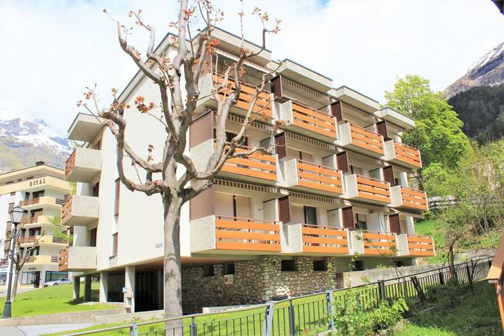 Leuca: Helle 1.5 Zimmer-Eckwohnung in zentraler, ruhiger Lage mit Südbalkon 3954 Leukerbad