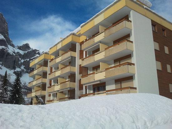 Baronesse: grosse, helle 1.5-Zimmerwohnung mit sehr schöner Aussicht und zusätzlichem Zimmer 3954 Leukerbad