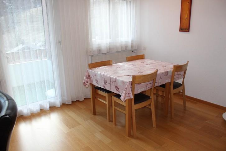 Baronesse: grosse, helle 1.5-Zimmerwohnung mit sehr schöner Aussicht und zusätzlichem Zimmer 3