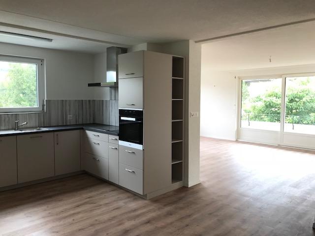 4,5 Zimmerwohnung neu renoviert 3