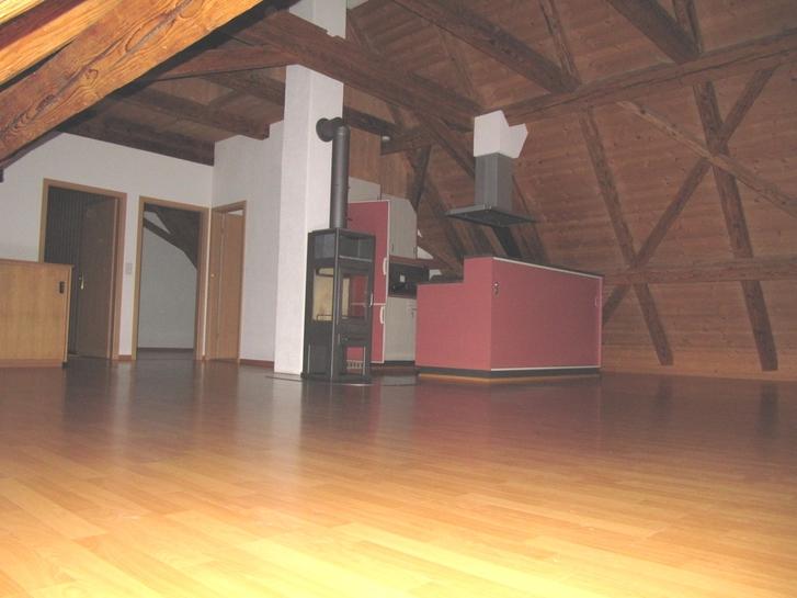 Charmante Wohnung im Dachgeschoss Bauernhaus mit Panoramablick 3634 Thierachern