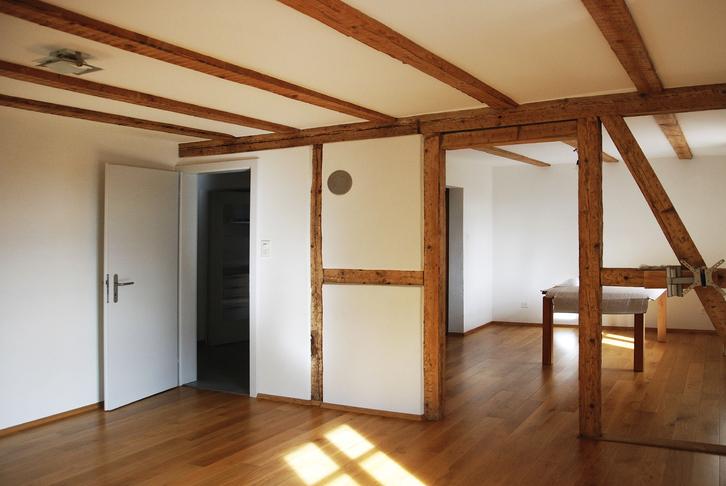 in Allschwil, 3 1/2 Zimmer Wohnung, 1800 Franken inkl NK. 3