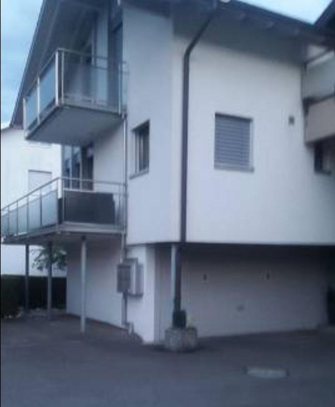 Nachmieter für 4.5 Zimmer-Hausteil in Altendorf gesucht Altendorf