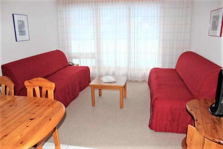 Residenz LES NATURELLES 2.5 Zimmerwohnung im Parterre mit sonniger Terrasse 2