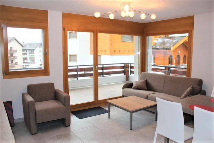 Residenz Athos, 3.5 Zimmer Luxuswohnung mit grossem, sonnigen Balkon 2