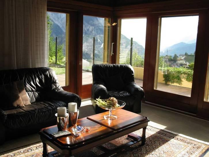 VILLA GUTTET 9 Zimmer in bester sonniger Lage mit Panoramablick 3