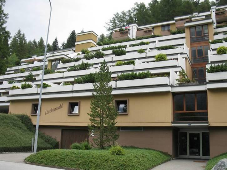 Appartementhaus LÄRCHENWALD, helle 4.5-Zimmerwohnung mit Balkon und super Aussicht in bester Lage 3954 Leukerbad