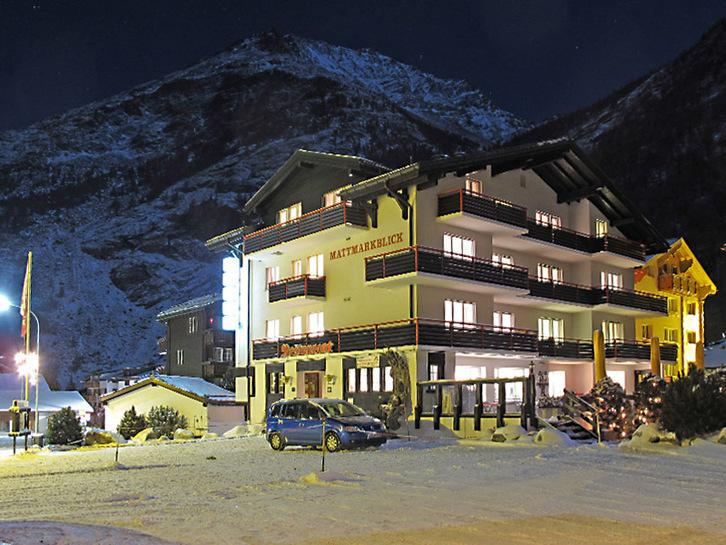 Schönes Hotel Mattmark auf 4 Etagen, 26 Zimmer 3905 Saas-Almagell