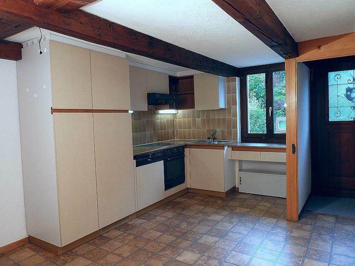 Traditionellert 5½ - Zimmer - Hausteil am Dorfrand von Schönenberg/ZH 2