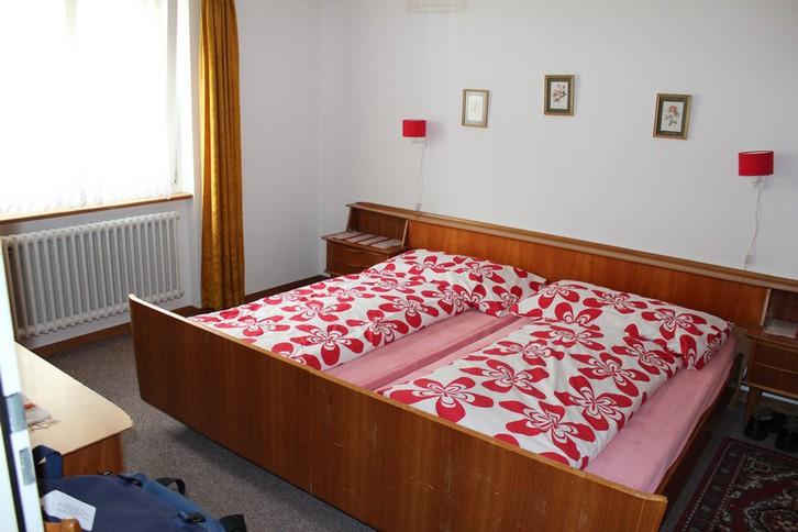 Haus MIREILLE, 2.5-Zimmer-Eckwohnung , mit grossem Balkon und unverbaubarer Aussicht 4