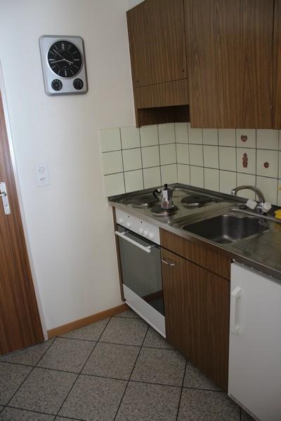 Apartmenthaus APOLLO, helle 1.5-Zimmerwohnung, grosser Balkon Süd-Ost wunderschöne Aussicht 2