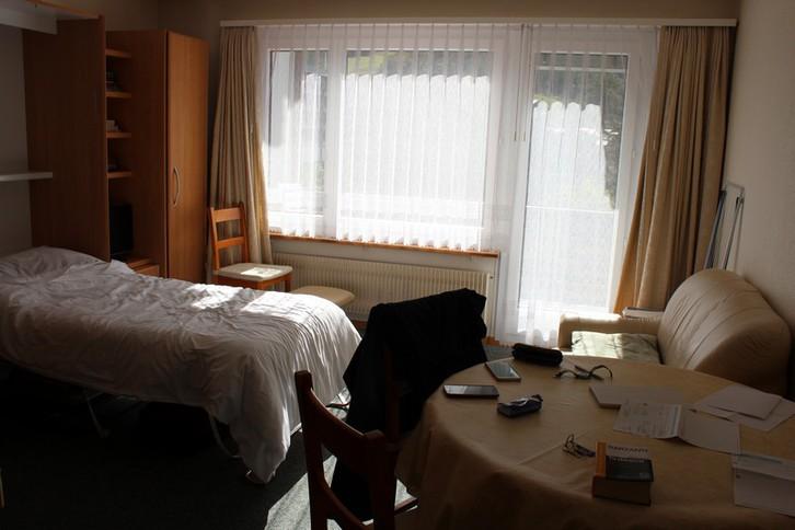 Apartmenthaus APOLLO, helle 1.5-Zimmerwohnung, grosser Balkon Süd-Ost wunderschöne Aussicht 3