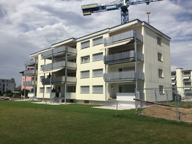 Gepflegte 4-Zimmerwohnung mit Lift und grossem Balkon 5620 Bremgarten
