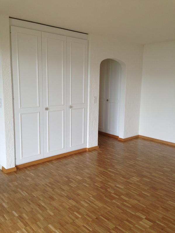 Sonnige, helle , 2.5 Zi-Wohnung mit Gartensitzplatz 2