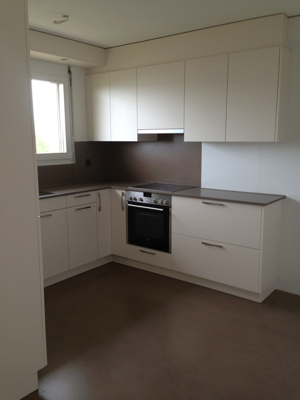 Sonnige, helle , 2.5 Zi-Wohnung mit Gartensitzplatz 4