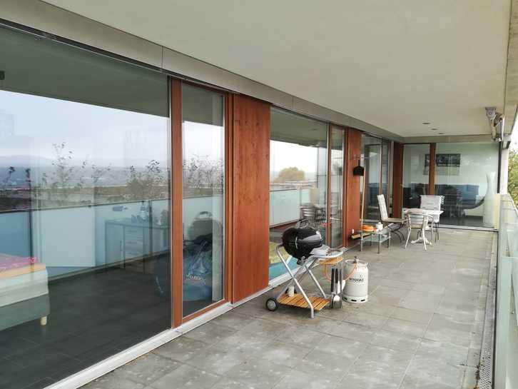 moderne, grossräumige und helle 3.5 Zimmerwohnung in Biberstein 4