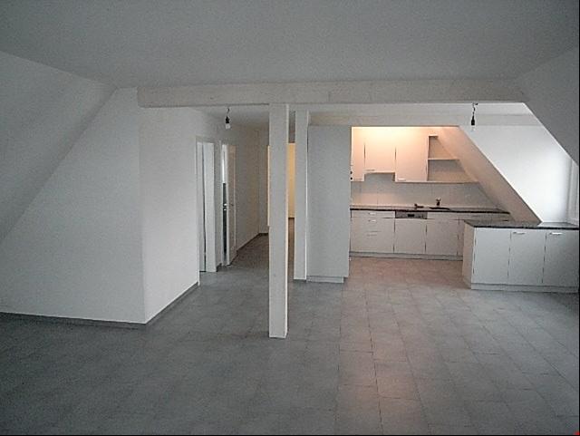 ländliche 4.5 Zimmer Wohnung in Stettlen 3