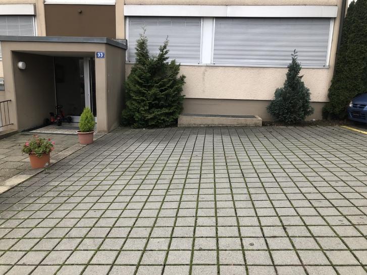 3 Zimmer Wohnung am Rheinfall  8212 Neuhausen