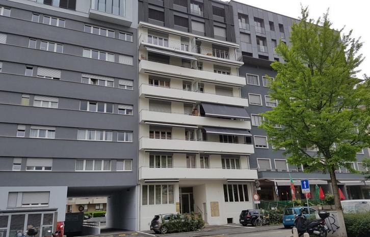 Appartement 2.5 pièces de 79m2 environ au 3ème étage. 1203 Genève