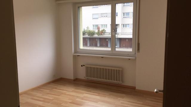 zu vermieten 2 Zimmer Wohnung in Ebmatingen 4