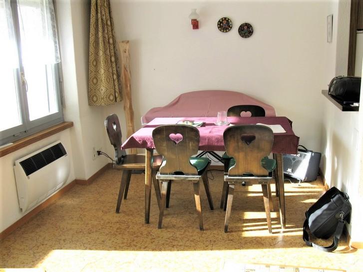 Appartementhaus GOLIATH 1.5-Zimmerwohnung, gross und hell mit schönem Balkon Süd, sehr günstiger Preis 2