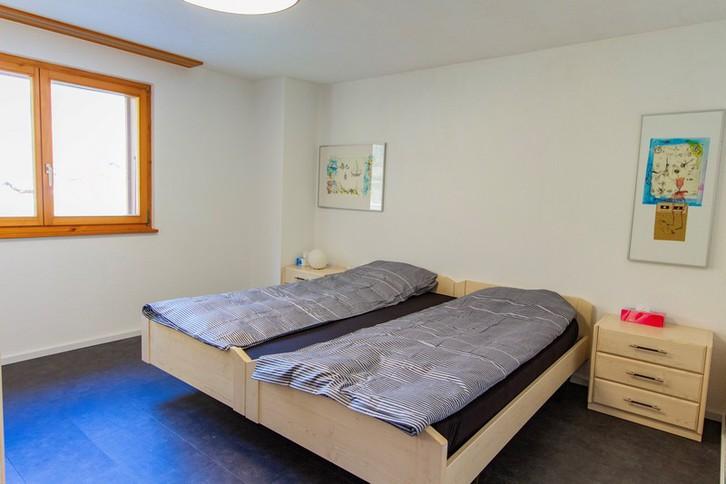 Haus GOLF B, helle, qualitätsvolle 4.5-Zimmerwohnung an ruhiger Lage mit grossem Südbalkon und schöner Aussicht 3